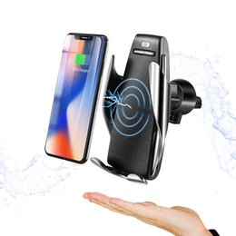 Wholesale For iPhone Xs Max Samsung S10 Wireless Cell Phone Chargers Automatic Clamping fast charging cup phone holder mount