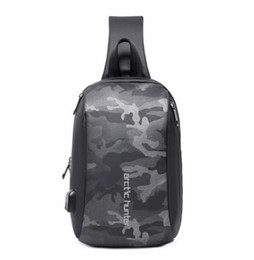 $enCountryForm.capitalKeyWord UK - 2019 new men's chest bag shoulder slung large capacity multi-function small backpack fashion tide cool men's bag