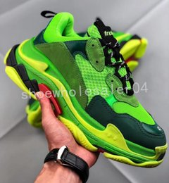 $enCountryForm.capitalKeyWord UK - Paris 17FW Triple-S Casual Shoes Luxury Dad Shoes BL Triple S 17FW Sneakers for Men Women Spring Street Gd Couples Star Show Daddy Shoes
