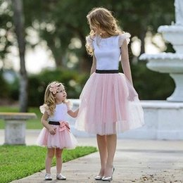 mother daughter tutu skirts UK - Mother Daughter Dresses 2Pcs T-shirt +Mesh Tutu Skirt Family Matching Mom And Daughter Outfits Dress Bow Patchwork Party Dress