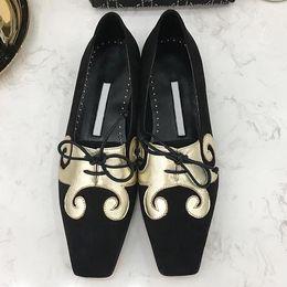 $enCountryForm.capitalKeyWord Australia - High quality 2019 new flat bottom women's shoes exquisite generous casual shoes printing decoration hot sale with original box qu