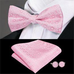 Hi-Tie Silk Floral Bow Ties Luxury Pink Bowtie boda de los hombres Bow Tie Pocket Square Gemelos Set Traje de boda LH-751