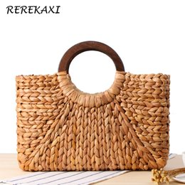 Bohemian Bags Australia - REREKAXI Bohemian Women Handbag Handmade Natural Straw Bag Weaving Summer Beach Bags Round Wooden Handle Female Tote Bag Basket