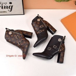 korean style fashion girl shoes Australia - Ladies Winter Boots 2018 New Fashion Thigh High Boots Women S Belt Buckle Bootss Knight Boots To Send Shoe Box Size korean style