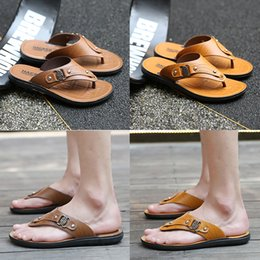 $enCountryForm.capitalKeyWord Australia - hot sale Designer Mens Sandals Summer Stripped Slippers For Men Leather Flip Flop Summer Hawaiian Beach Rubber Shoe Male Flats Sandals