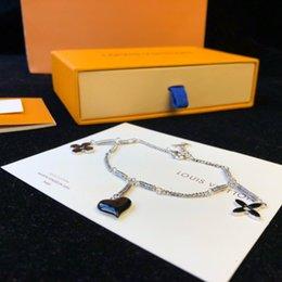 Großhandel Marke Lederarmbänder Schmuck für Frauen Männer 316L Edelstahl Designer Armbänder Armreifen Pulseiras Zubehör Geschenke Weihnachten Mutter 147