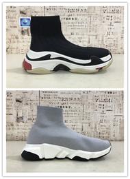 Speed S online shopping - 2019 HOT Triple S Paris Speed Runner red Sock Shoe Original Luxury Trainer Runner Sneakers Race Mens Women Sports Shoes