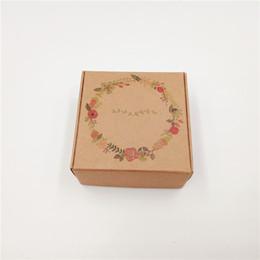 $enCountryForm.capitalKeyWord UK - 200Pcs Lot 6.5x6.5x3cm New Hot Kraft Paper Card Box Printed Handmade Love Birds Lei Balloons For Pack Egg Tart Cupcake Macaron