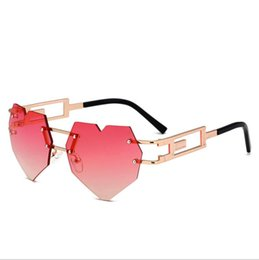 Cheap Clear Sunglasses UK - Cute sexy retro heart shape eye sunglasses women small pink clear vintage cheap sun glasses lens