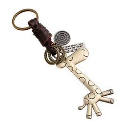 animal rings fashion accessories NZ - Giraffe Charm Keychain Key Ring for Women Men Fashion Cute Animal Pendant Leather Couple Key Chain Letters Keyring Jewelry Accessories Gift
