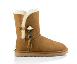 China HOT 2019 new brand Classic Genuine leather snow boots 100% Wool Women Boots Warm winter shoes Australia girl womens Metal pendant brown suppliers