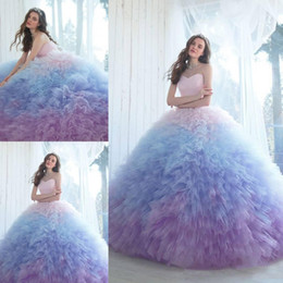 Discount ombre tulle prom dress Ombre Ball Gown Quinceanera Dresses Sweetheart Neckline Prom Gowns Chapel Length Tulle Ruffled Sweet 16 Dress