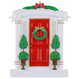 $enCountryForm.capitalKeyWord NZ - Red Home Door Polyresin Personalized Christmas Tree Ornaments With Wreath And Pine Tree For Holiday New Year Gifts Home Decorations
