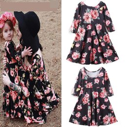 Mom Girl Sets NZ - Family Matching Outfits 2019 New Hot Mom Daughter Family Dresses Clothes Women Kids Girls Casual Full Sleeve Floral Dress Fy062