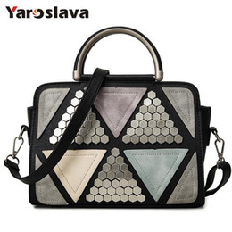 $enCountryForm.capitalKeyWord Australia - bag f brand 2019 new patchwork casual rivet totes women shopping handbag hotsale ladies fashion shoulder messenger crossbody bag LL437