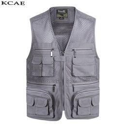 $enCountryForm.capitalKeyWord NZ - Wholesale- New Summer Casual Breathable Mesh Vest Men Fast Dry Photographer Sleeveless Jacket Multi-Pockets Outdoors Hike Hunt Fish Vest