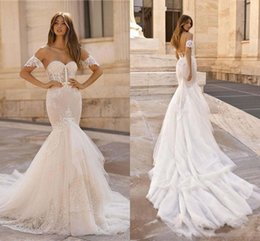 satin mermaid skirt 2020 - Elegant Off the Shoulder Backless Mermaid Wedding Dresses Lace Applique Sweetheart Neck Short Sleeve Ruched Bridal Gowns
