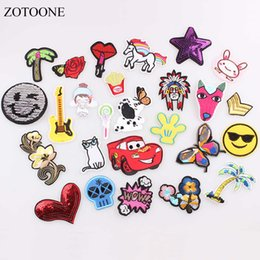 $enCountryForm.capitalKeyWord Australia - ZOTOONE Sequin Cat Dog Rose Unicorn Patches for Clothing Iron on Letter Patches Badges Stickers Sew on Cheap Embroidered Patch B
