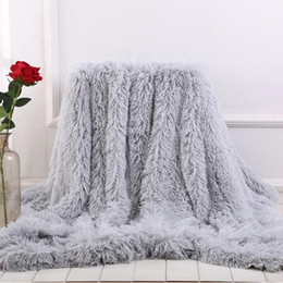 Wholesale Soft Fur Throw Blanket for bed Long Shaggy Fuzzy Fur Faux Winter Blankets for Bed Sofa Warm Cozy With Fluffy Sherpa