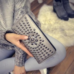 $enCountryForm.capitalKeyWord Australia - Factory direct selling women bag personality skeleton punk hand wallet European and American fan rivet fashionable long wallet trend leather