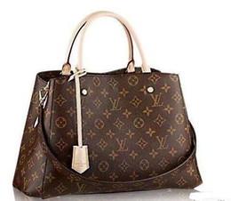 Beautiful luxury girls online shopping - 2019 new fashion beautiful portable diagonal back dual use classic luxury brand V designer handbag high quality female