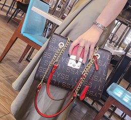 $enCountryForm.capitalKeyWord NZ - Factory direct brand women bag classic printed chain bag Joker contrast leather large capacity women bag simple printed leather slung should