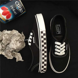 men pp clothing NZ - Versatile Classic Plaid Mixed Colors Skateboard Shoes Men And Women Celebrity Style INS Super Fire Street Snap Trendy Shoes Canv Clothing
