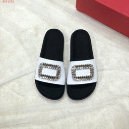 $enCountryForm.capitalKeyWord Australia - new women slippers Scuffs classic temperament High-end atmosphere Diamond decoration black and white size 34-41 With Dust Bag