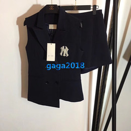 $enCountryForm.capitalKeyWord Australia - high end women girls blazer suit vest jacket peak lapel t-shirt sleeveless embroidery top tee short mini pants fashion design luxury set