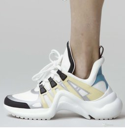 $enCountryForm.capitalKeyWord Australia - Brand Retro Women S Arch Light Sneaker Leather Trainers For Men Women Kanye West Shoes Fashion Casual Outdoor Boots Dropship
