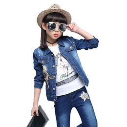 $enCountryForm.capitalKeyWord Australia - Spring autumn period sequins golden flower denim jacket jeans suit children Girls fashion nail bead leisure set kids clothes C64