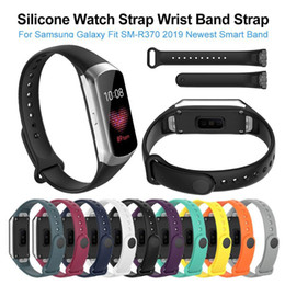 Galaxy smart watches online shopping - 2019 Newest Silicone Sport Watch Strap Wrist Band Strap For Samsung Galaxy Fit SM R370 Smart Bracelet Watch Strap Accessories