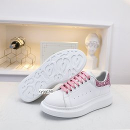 girls hot pink dress shoes Canada - HOT SALE Designer Shoes Party Dress Girls Ladies Women Shoes White Black Velvet Reflective Leather Mens Casual Sneakers