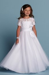 White Communion Dresses Short Australia - New Arrival Designer Holy Communion Gowns White Lace Applique Bodice Bow Sash Beaded Short Sleeve Holy Communion Dresses