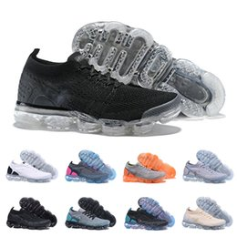 Wholesale 2 New Running shoes For Mens Triple S White Black Cool Grey Trainers Fashion Designer Trainers Sport Sneakers