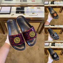 $enCountryForm.capitalKeyWord NZ - Brand luxury outdoor slippers Men Slippers Casual Black And White Shoes Non-slip Slides Bathroom Summer Sandals Soft Sole Flip Flops Man