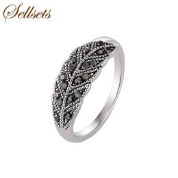 $enCountryForm.capitalKeyWord Australia - crystal ring Sellsets Vintage Engagement Jewelry Antique Silver Color Elegant Leaf Ring Black Crystal Rings For Women Christmas Party Gift
