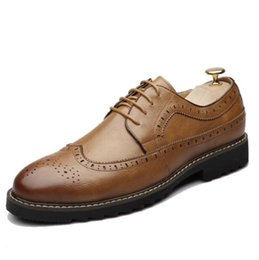 $enCountryForm.capitalKeyWord Australia - New High Quality Leather Men Brogues Shoes Lace-Up Bullock Business Dress Men Oxfords Shoes Male Formal Shoes d2a26