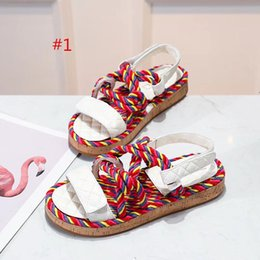 Wholesale 2019high quality colors Women Designer Chain Slide Flat Sandals Outdoor Beach Fashion Causal Rubber Flat Slippers With Box