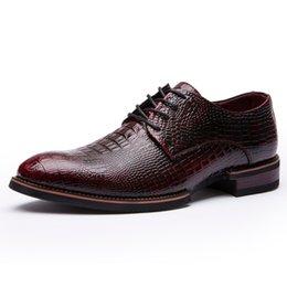 $enCountryForm.capitalKeyWord Australia - 2019 men business shoes Flats Fashion dress shoes pointed toe lace up Casual Classic Gentleman black Bronze Crocodile pattern
