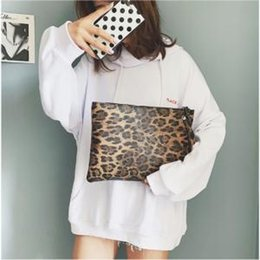 $enCountryForm.capitalKeyWord NZ - Women's Leopard print handbag Ladies Leopard Print Clutch Bag Envelope Cosmetic Bag PU Retro Fashion Handbag LJJW149