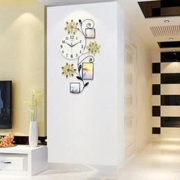 $enCountryForm.capitalKeyWord Australia - Flower Wall Clock Modern Design Large Led 3D Digital Wall Clock Kitchen Bedroom Home Clock with Photo Frame Farmhouse Decor