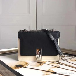 $enCountryForm.capitalKeyWord Australia - 2019 explosion models shoulder bag, the new shipping live wave is simple, the new leather lock chain chain leather slung female, fashion ret