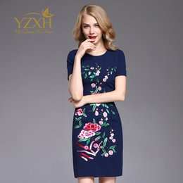 A Above Knees Length Embroidery Work Dress for Europe Station 2019 Summer  New Large Size Round-neck Short Sleeve Slim Waist Women s Dress a35235adb