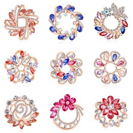 Wholesale Luxury Brooch Pins for Wedding Invitation Crystal Rhinestones Floral Brooches Scarf Buckles dual purpose Women Designer Jewelry Accessories