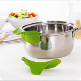 Bowls For Kitchen Australia - Kitchen Accessories Anti-spill Silicone Slip on Pour Soup Spout Funnel for Pots Cozinha Pans and Bowls and Jars Kitchen Gadgets.