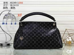 $enCountryForm.capitalKeyWord NZ - 2019 Luxury Quality Brand Design Lady Plaid Messenger Bag Genuine Patent Leather 5 Plaid Handbag Lambskin With Charms Miss Chain Bag26
