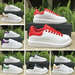 men casual grey shoes 2019 - 2019 3M reflective Platform shoes red white black leather women girl Casual shoes men gold green Flat shoes 36-44