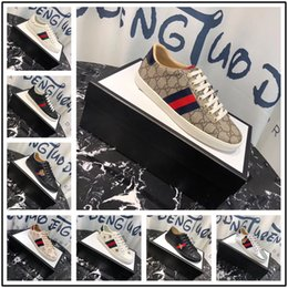 Fashionable Flat Shoes Laces NZ - Brand Classic Casual Mens Shoes Fashionable Youth Sneakers Breathable Walking Canvas Shoes Men 2019 New Arrival Lace Up Flats