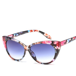 c6937cf79f 2019 New Fashion Cat Eye Sunglasses Leopard Floral Frame Glasses Good  Quality UV Protection Women Eyewear Popular Street Beach Sunglasses